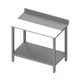 Table adossée avec panneau en polyéthylène et étagère